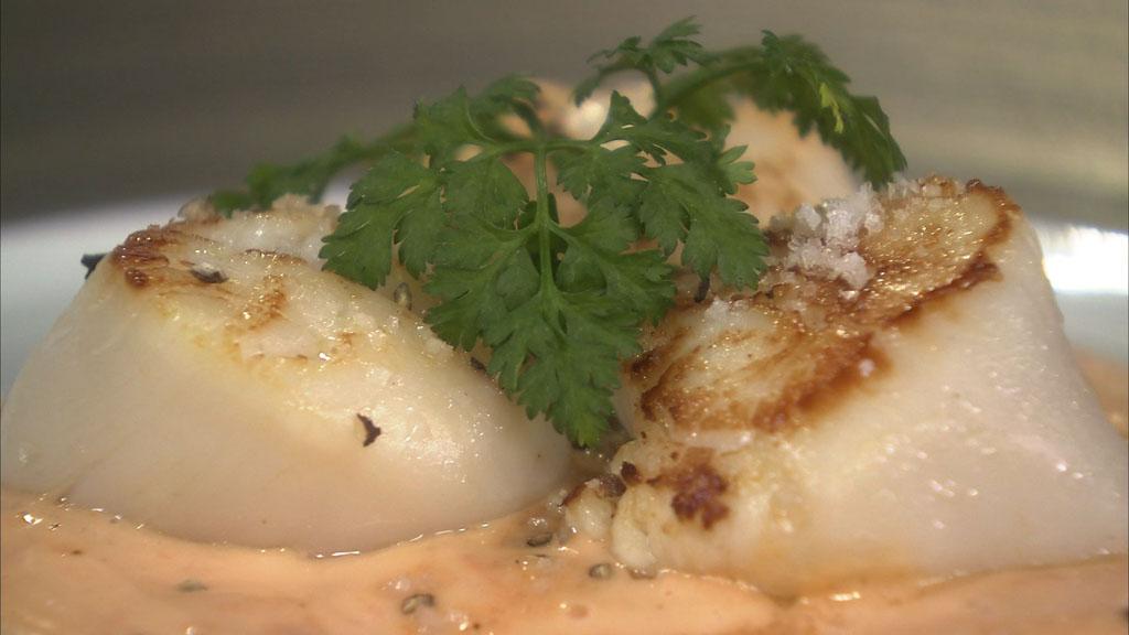 Noix de saint jacques au beurre corail petits plats en - Cuisiner des noix de st jacques avec corail ...