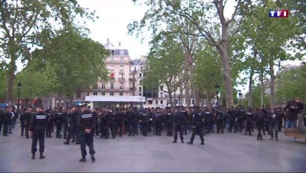 """""""Ça suffit"""", les policiers dans la rue pour exprimer leur colère"""
