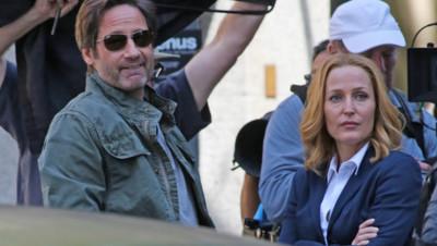 David Duchovny et Gillian Anderson sur le tournage de la nouvelle saison de X-Files en juin 2015 à Vancouver