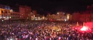 La France en finale de l'Euro: fête bleue, nuit blanche, bonheur rouge (flamboyant) à Lille