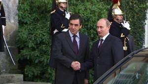 Vladimir Poutine et François Fillon à Rambouillet (27 novembre 2009)