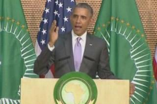 """Avec humour, Obama fait la leçon aux dirigeants """"à vie"""" en Afrique"""
