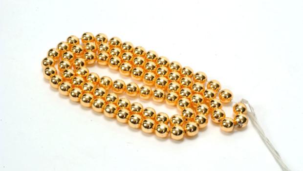 Un collier en or