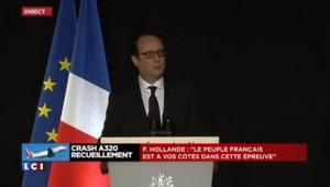 """Crash dans les Alpes : """"Les opérations ont permis de sécuriser le lieu"""" selon Hollande"""