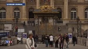 """Indignation à l'UMP après la découverte du """"mur des cons"""""""