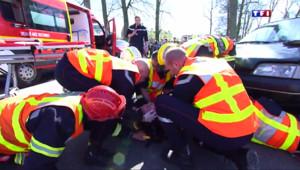 """Le 13 heures du 17 avril 2015 : """"Le village de la prévention"""", Saint-Quentin sensibilise ses habitants aux accidents domestiques - 1071.619"""