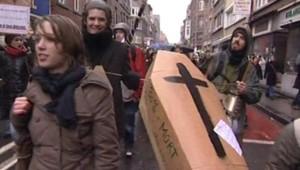 LCI-TF1, Des étudiants étrangés manifestent en Belgique