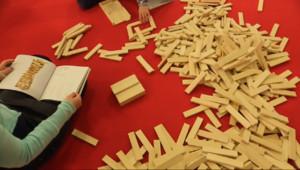Le 13 heures du 1 décembre 2014 : Secret de fabrication des jouets en bois, de nouveau �a mode - 1146.4340361328125