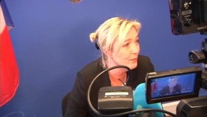 Mesures pour la compétitivité : Le PS et l'UMP ont les mêmes solutions, déplore Marine Le Pen