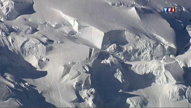 Une avalanche dans les Alpes/Image d'archives