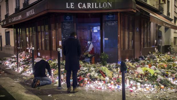 Le Carillon quelques jours après les attentats du 13 novembre
