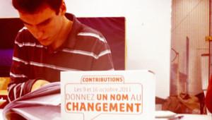 Dans un bureau de vote du Xe arrondissement de Paris, lors du premier tour de la primaire PS, le 9 octobre 2011.