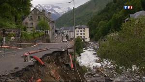 Le 20 heures du 21 juin 2013 : Inondations dans les Pyr�es : les images de Bar�s, village d�st� 225.07999999999998