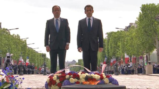 François Hollande et Nicolas Sarkozy le 8 mai 2012