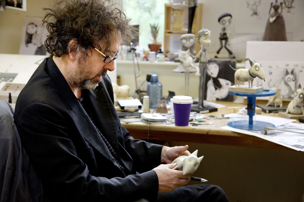Tim Burton sur le tournage du film Frankenweenie