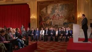 Hollande annonce des mesures pour lutter contre le décrochage scolaire