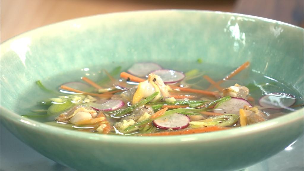 Bouillon de poule aux coques et l gumes croquants petits - Recette cuisine tf1 petit plat en equilibre ...