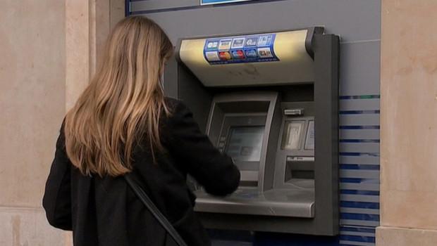 argent billet monnaie distributeur