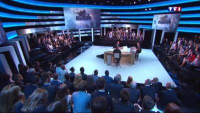 """Hollande sur TF1 : """"La France a besoin de grands événements"""""""