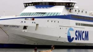Un ferry de la SNCM sur le quai du Port autonome de Marseille