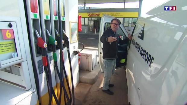 Pénurie de carburant : à Paris, les automobilistes commencent à perdre patience