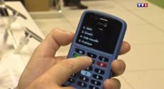 Adoptés par les jeunes, les smartphones s'adaptent aux seniors