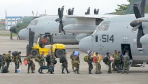Typhon aux Philippines : des militaires partent pour Tacloban