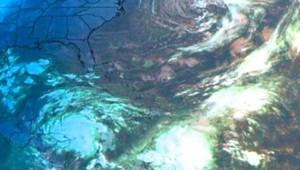 Vue satellite des Caraïbes lors du passage d'Omar (en bas de l'image) - octobre 2008