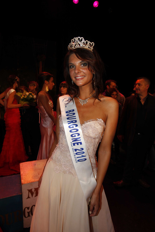 Miss Bourgogne 2010 - Alice Dettolenaere - Election candidate Miss France 2011- © SIPA - Interdit à toute reproduction, téléchargement ou stockage
