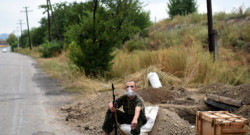 Un soldat pro-russe à Troitsko-Khartsyzk, à 30 km à l'Est de Donetsk