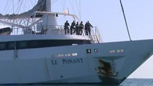 """Le """"Ponant"""", voilier de luxe dont des pirates somaliens avaient pris le contrôle (15 avril 2008)"""