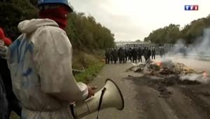 Affrontements en Bretagne entre les manifestants contre l'écotaxe et les forces de l'ordre.