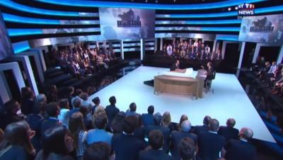 """Hollande sur MYTF1News : il faut des """"améliorations"""" à la législation sur la fin de vie"""