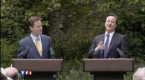 David Cameron, le nouveau premier ministre conservateur, et Nick Clegg, le libéral-démocrate, sont apparus mercredi pour la première fois ensemble.