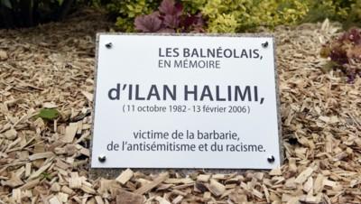 Une nouvelle plaque à la mémoire d'Ilan Halimi a été dévoilée à Bagneux (Hauts-de-Seine)