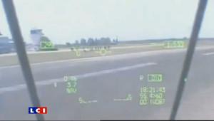 En Argentine, un pilote de chasse s'est amusé à réaliser quelques passages en rase motte pour ses amis.
