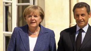 Angela Merkel et Nicolas Sarkozy devant l'Elysée le 16 août 2011