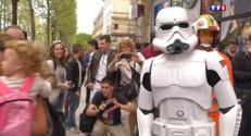 Le 13 heures du 17 avril 2015 : Star Wars 7 : les fidèles au rendez-vous pour une convention internationale exceptionnelle à Paris - 1892.9528324584967