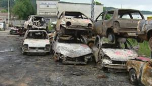TF1-LCI : Gros incendie criminel sur un parking à Bourgoin, le 27 mai 2007
