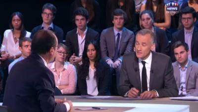 """Hollande sur MYTF1News : """"Qu'est-ce qu'il se passerait si on n'intervenait pas militairement ?"""""""