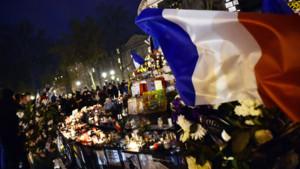 Hommage place de la république au lendemain des attentats du 13 novembre