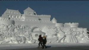 Chine : une ville de glace pour le festival d'Harbin