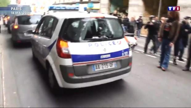 Voiture de police incendiée : trois suspects remis en liberté
