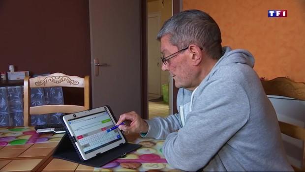 Accompagner les seniors sur internet, un marché lucratif