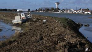 L'Aiguillon-sur-Mer, en Vendée, après la tempête le 1er mars 2010 (photo d'internaute)