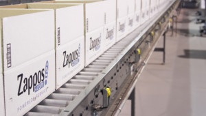 Une chaîne d'emballage de Zappos.com
