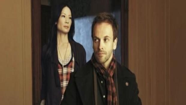 Elementary. Série créée par Robert Doherty en 2012. Avec : Jonny Lee Miller, Lucy Liu et Aidan Quinn.