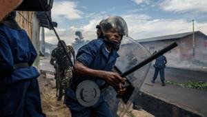 Les forces de police fidèles au président Nkurunziza auraient repris le contrôle du Burundi