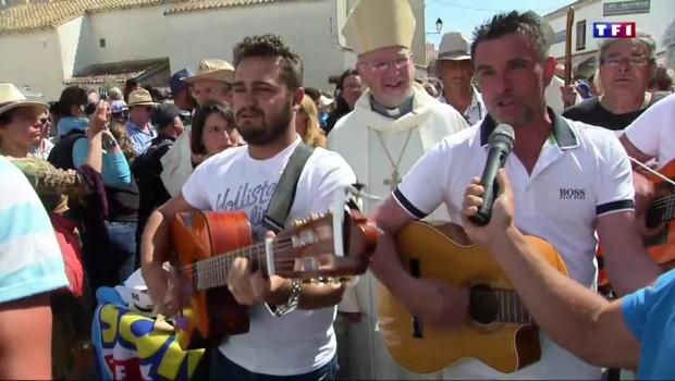 Musique, danses, bonne humeur, deuxième jour de pèlerinage en Carmargue pour les gens du voyage