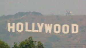 TF1/LCI Les panneaux qui surplonbent Hollywood sont aussi au dessus des rêves des américains (27 février 2007)